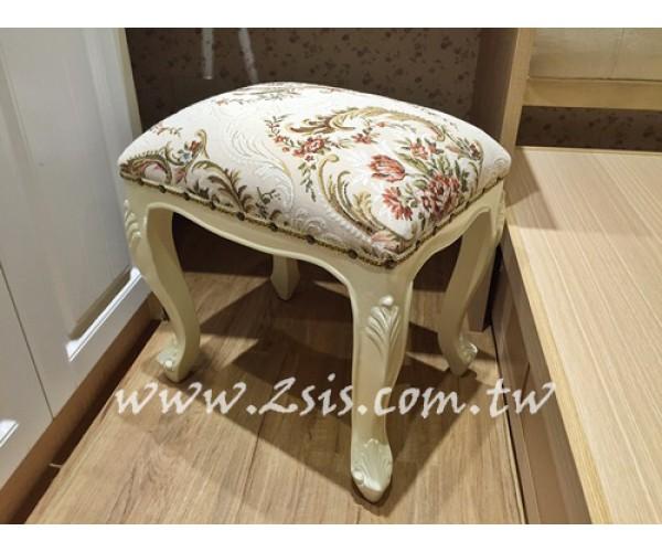 2.化妝椅