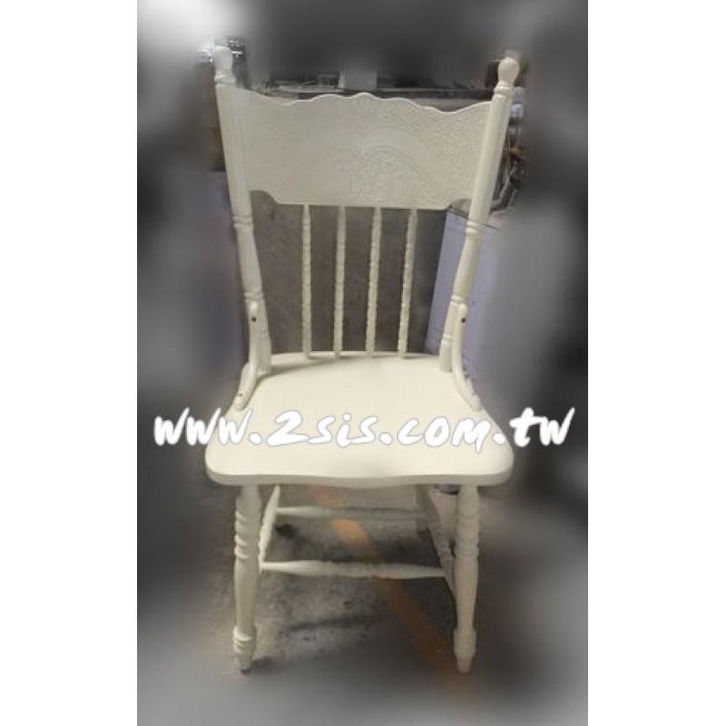 白色溫莎椅
